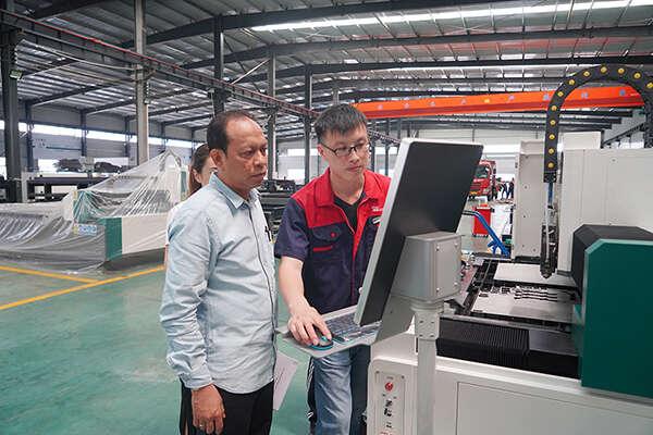 Клиенты на фабрику