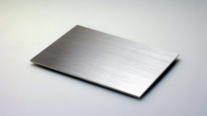 Лазерная резка и пластина из нержавеющей стали